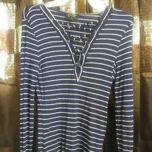 Jessica Simpson long sleeved shirt size large